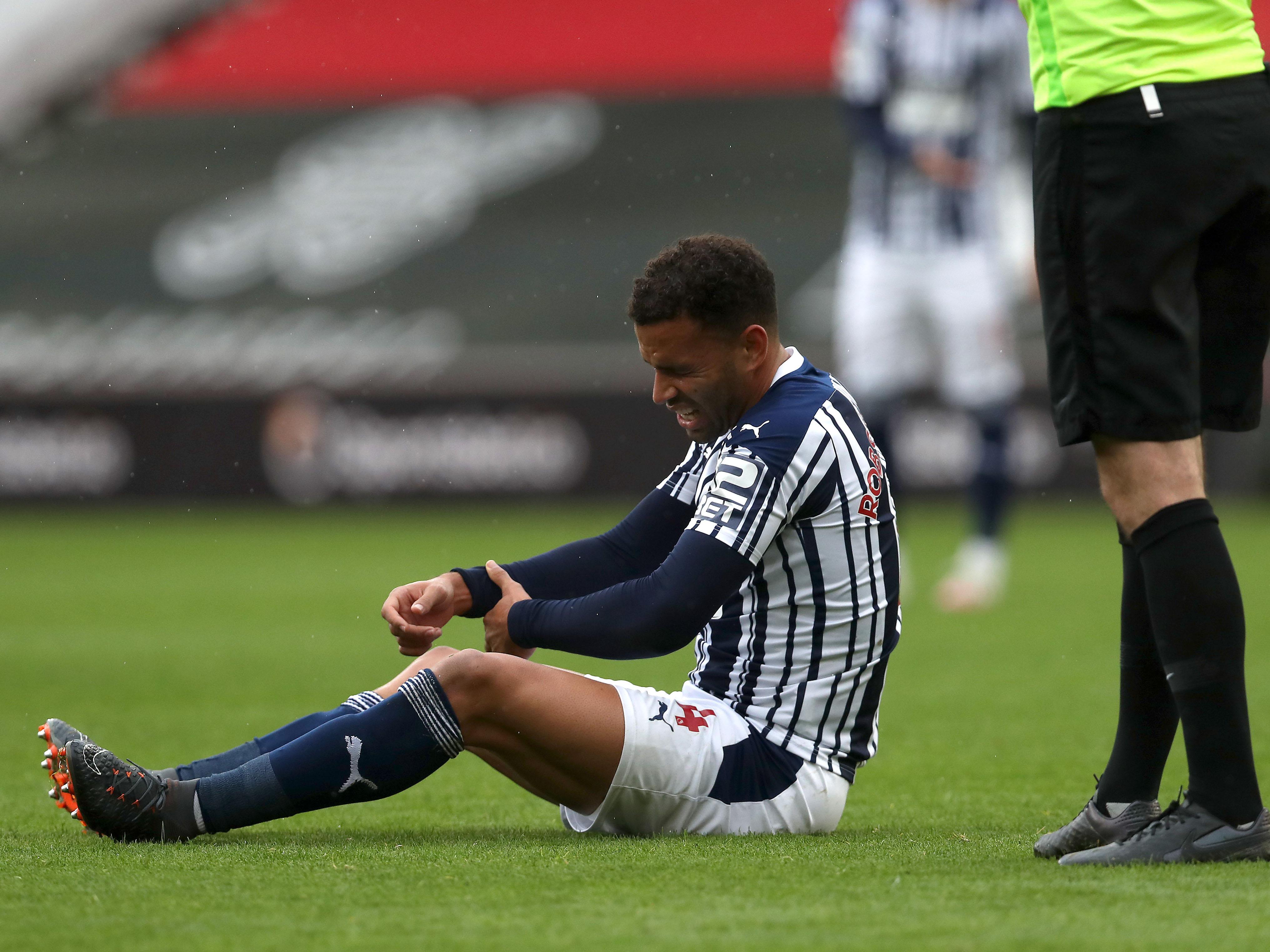 Robson-Kanu suffers broken arm injury