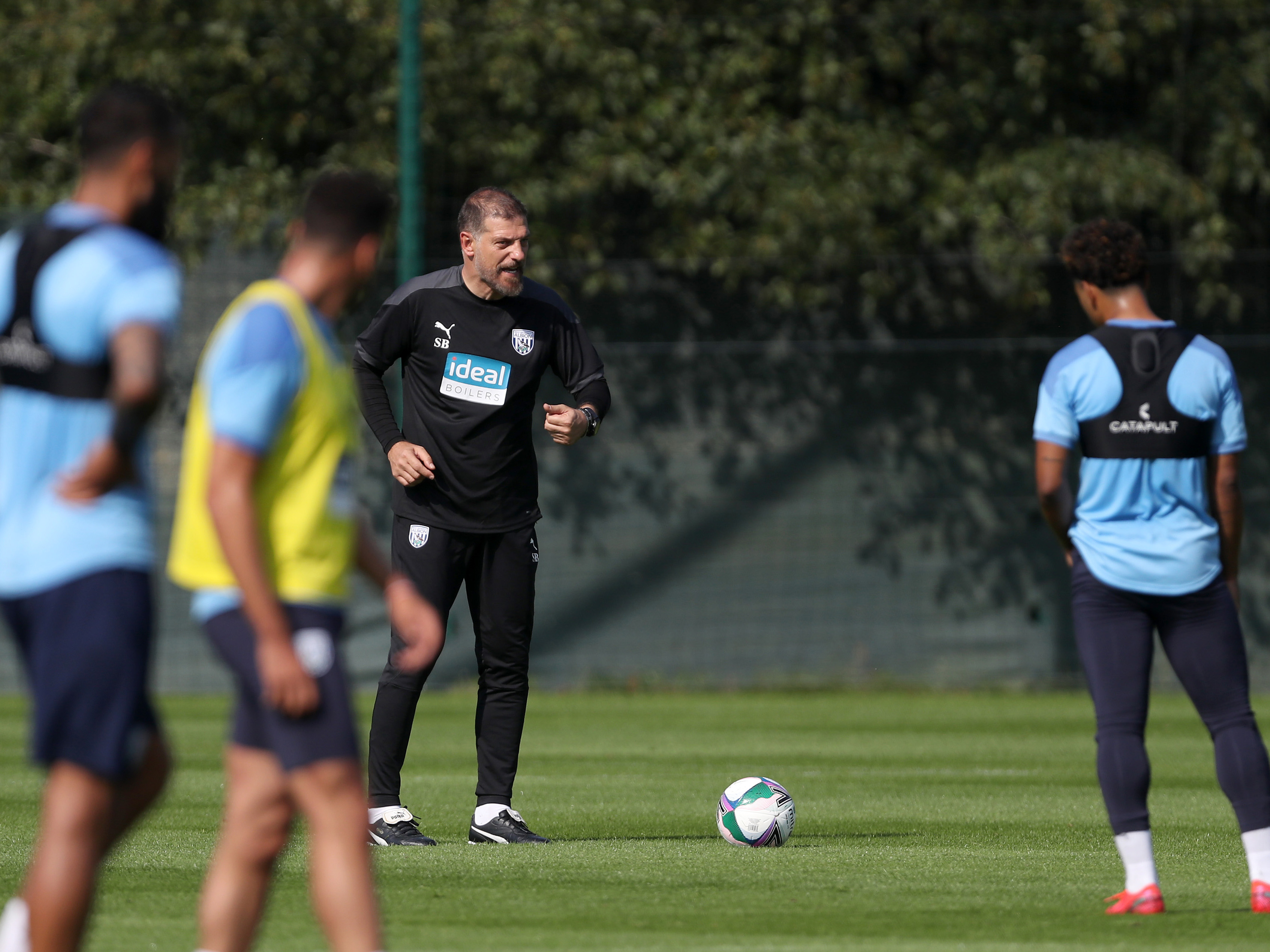 Slaven talks ahead of Albion's trip to Southampton