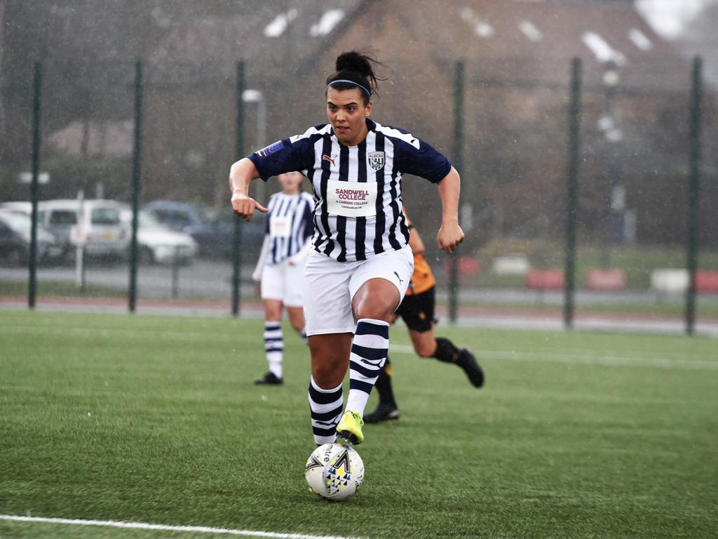 Tash Tezgel re-joins Albion Women
