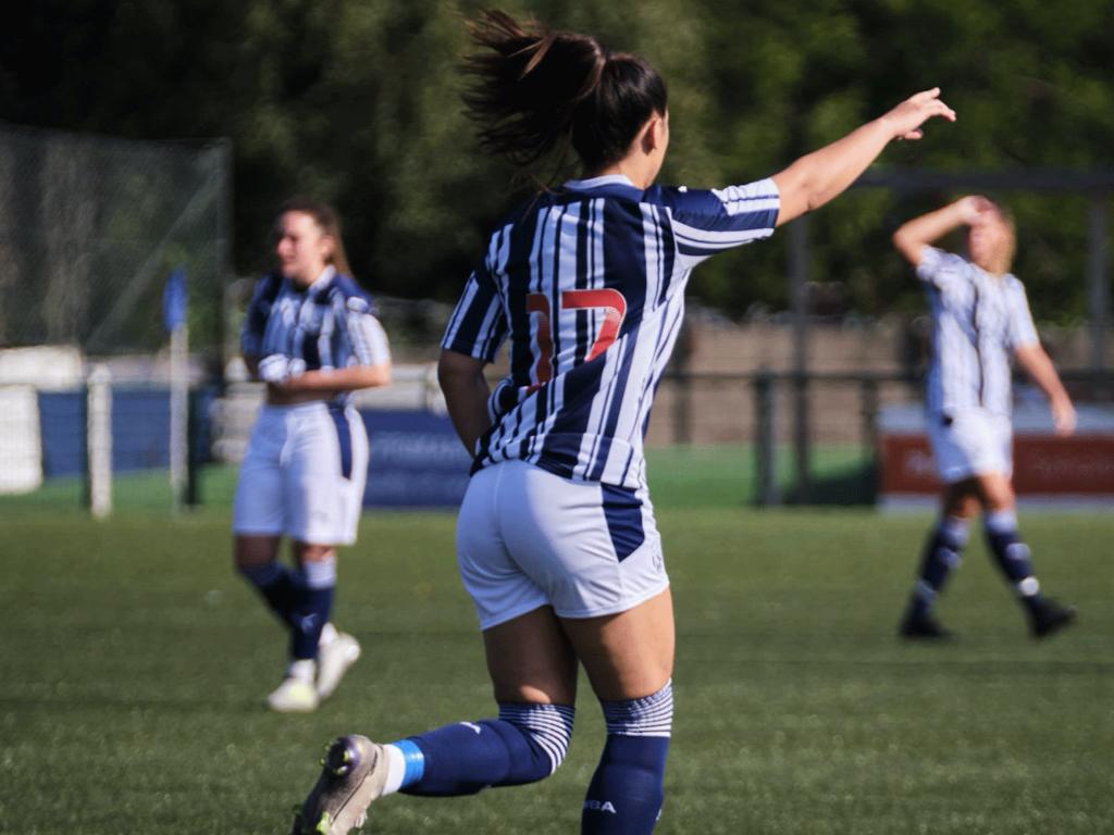 Albion's Women were narrowly beaten by Oxford on Sunday
