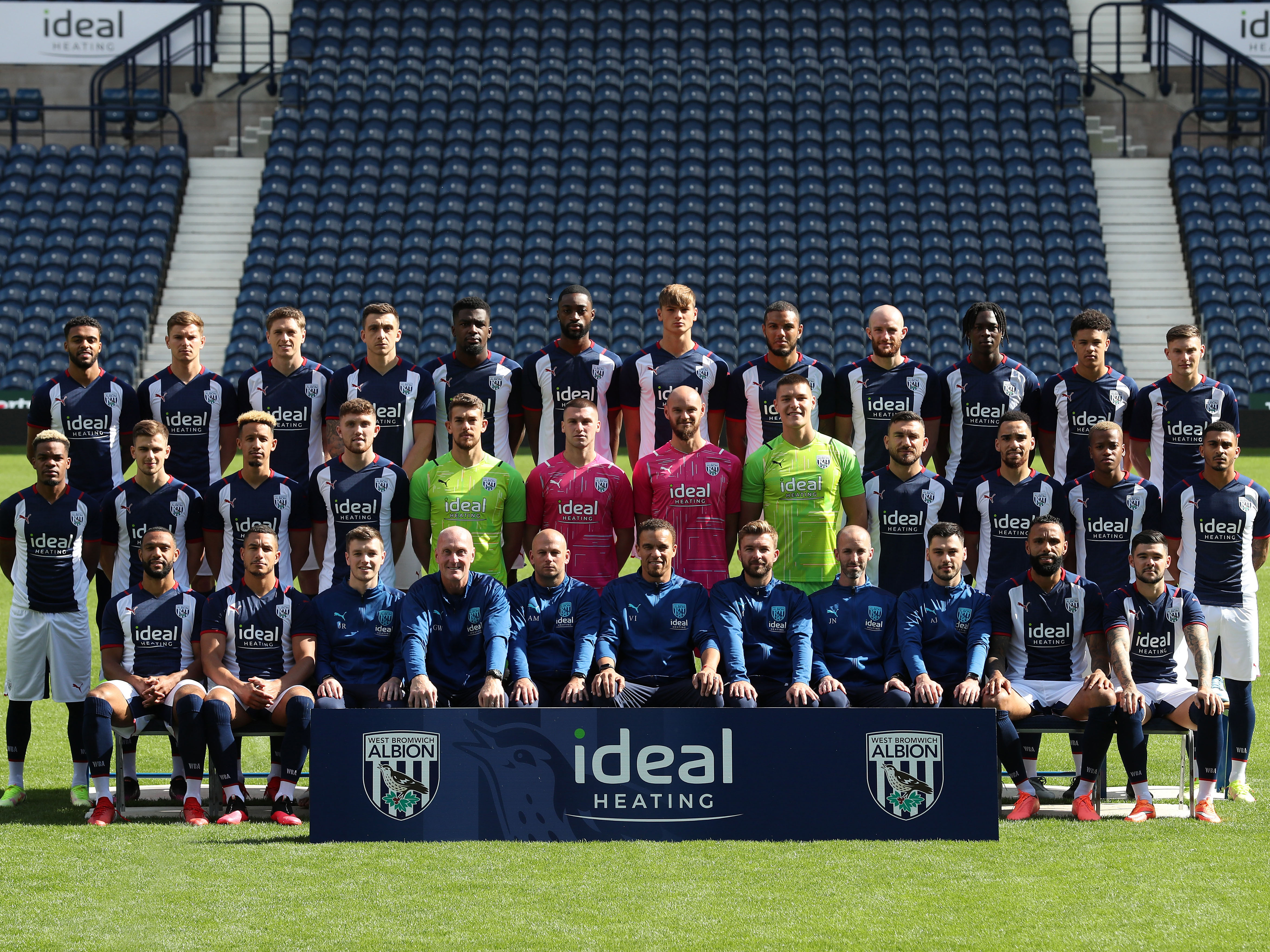 2021/22 squad photo
