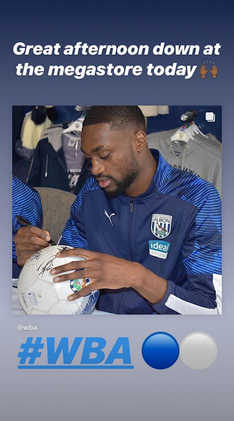 2019_10_29_signing_session_hawthorns_8.png